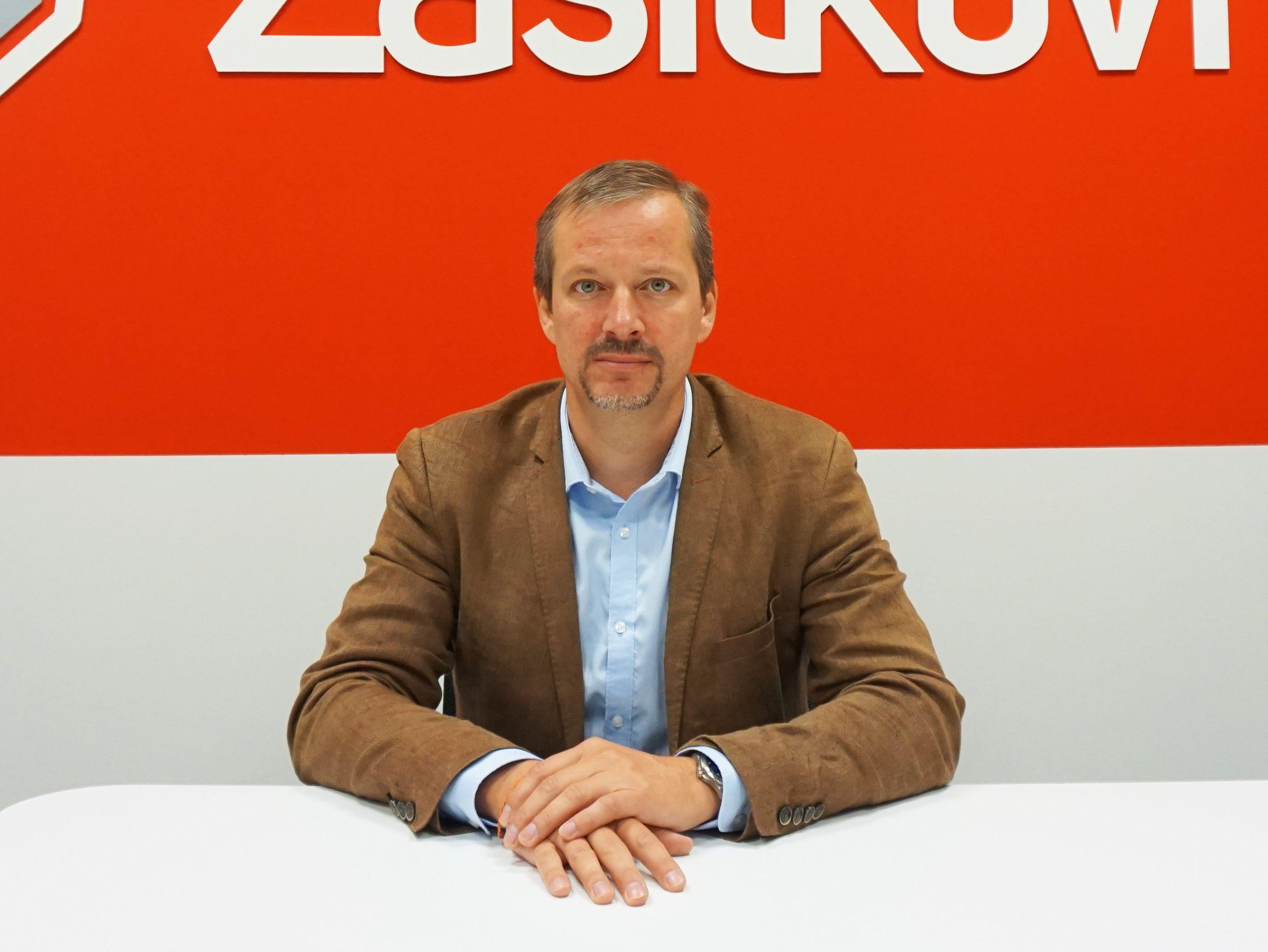Daniel Mareš COO